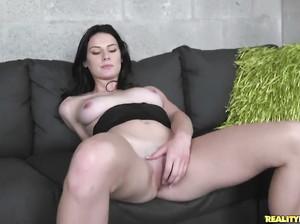 Кимберли на порно кастинге скачет на фаллосе