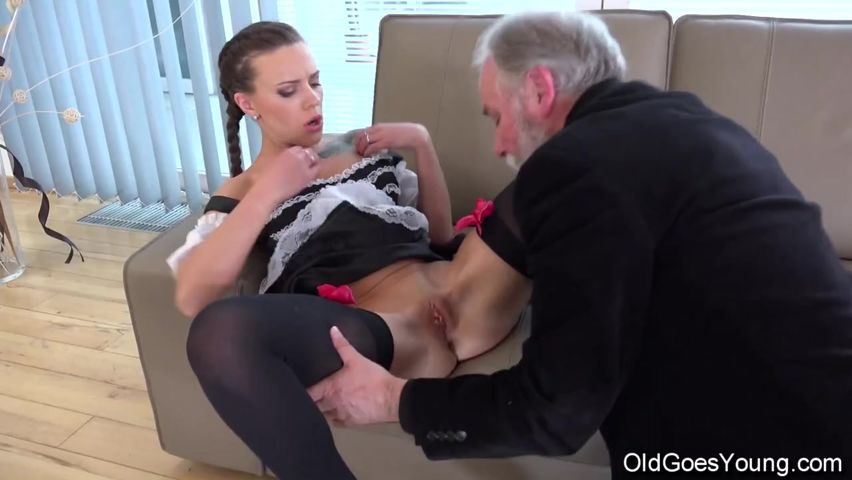 Дед соблазнил молоду порно видео