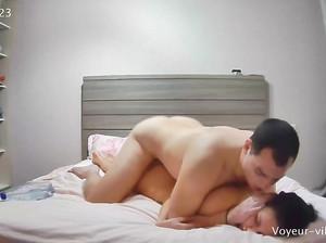 Русский кобель вдул молодой самке в отеле