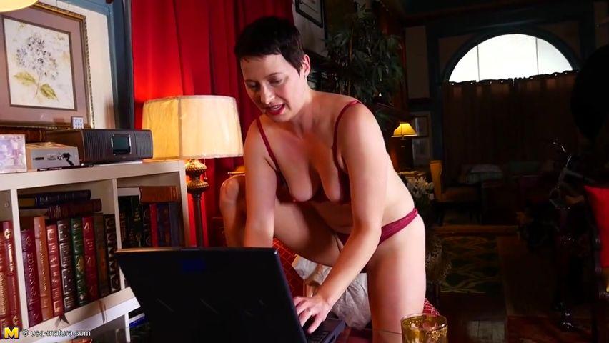 Порно нарезки пожилых онлайн