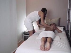 Три занимается сексом и делает порно селфи, ЖМЖ