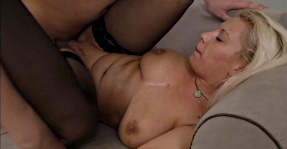 Бесплатно порно член кончает на киску зрелых нарезка