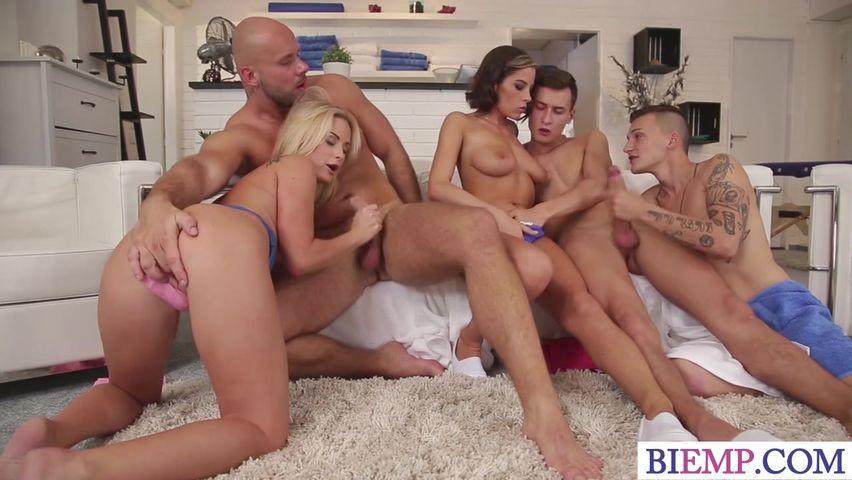 Порно оргии бисексуалы смотреть