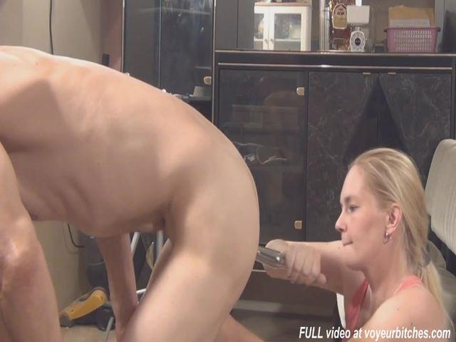 Секс втроем с послушной женой