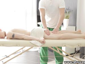 274Брюнетки порно массаж смотреть онлайн
