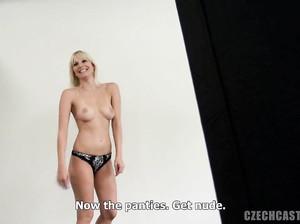Красивую чешку Анку жарят на порно кастинге
