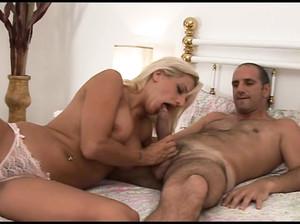 Муж зстукал жену с сосеткой смотреть порно