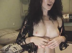 Ирина показала сиськи в чате рунеток