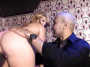 Порно кастинг для развратной Лауры Монро