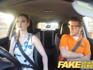 Фейковый препод автомобильной школы жарит девку