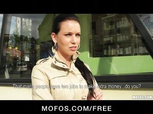 Чешская сучка отдалась пикаперу за деньги