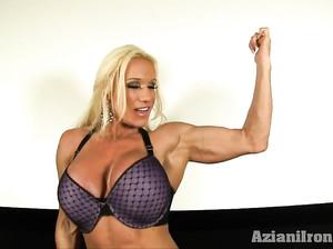 Сильная культуристка Кайла показала свое мощное тело