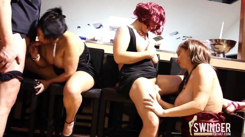 seks-orgii-pozhilih-foto-dvoynoe-proniknovenie-trah