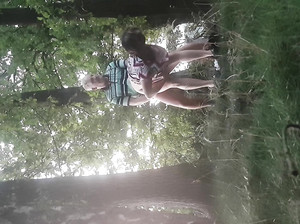 Чувак снял на камеру секс мужика и бабы в лесу