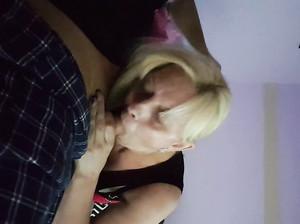 Частное порно с минетом от любимой жены