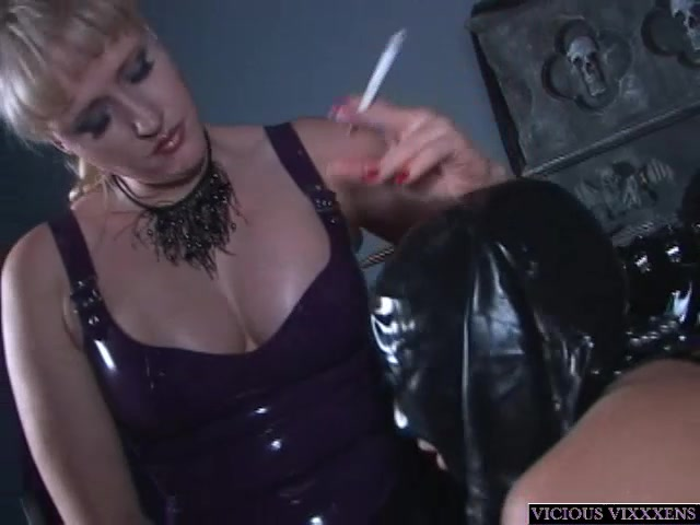 Латекс секс рабыни он лайн