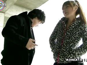 Узкоглазый пикапер уговорил кореянку перепихнуться
