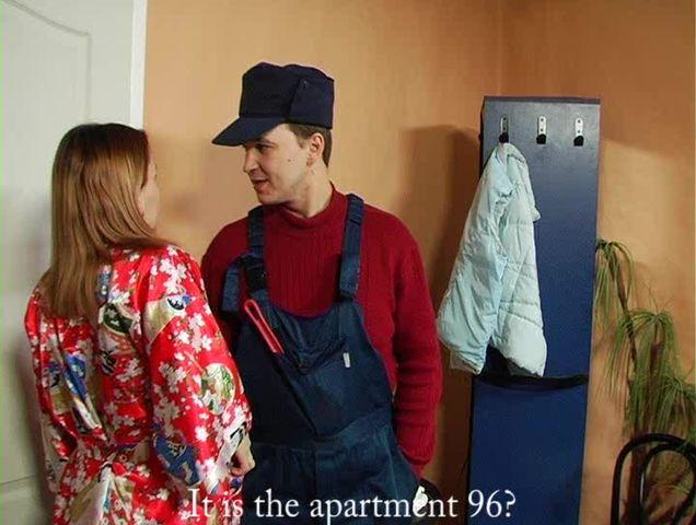 Смотреть сантехник подсмотрел за домо хозяикои секс