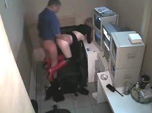 Русская проститутка работает на скрытую камеру