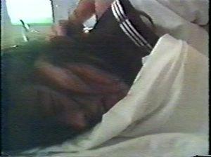 Японскую школьницу (18 лет) насильник выебал угрожая ножом
