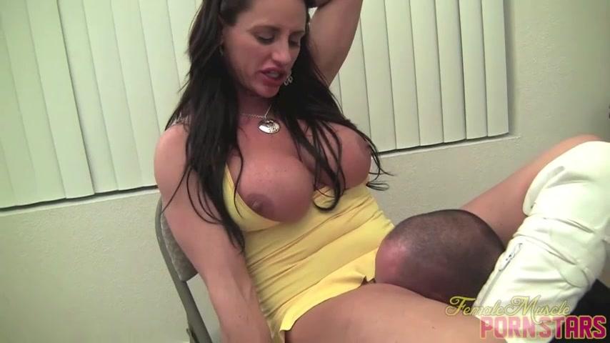Порно онлайн брюнетка групавуха