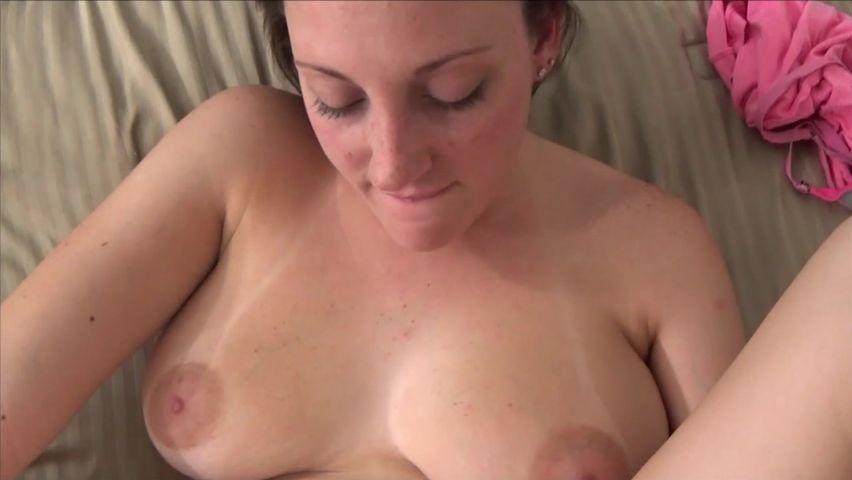 Мамочка дала своему сынульке порно