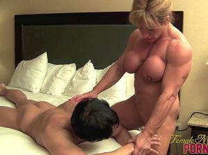 Порно массаж скрытая камера американка и китаец