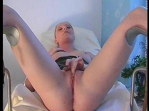 Гинекологша довела пациентку до оргазма