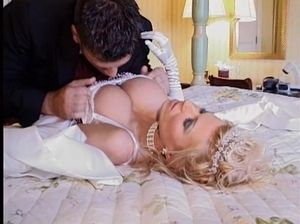 Невесты раскованный секс видео