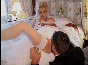 Вылизал у невесты