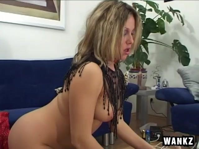 Девушка ебеться с роботом смотреть порно