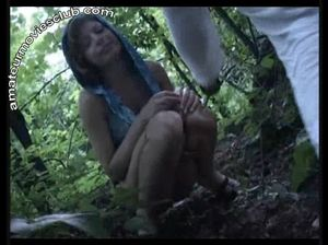 Откровенная ебля курских студентов в лесу