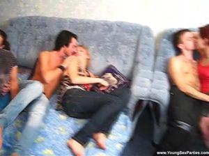 Русские студенты устроили масштабную секс вечеринку