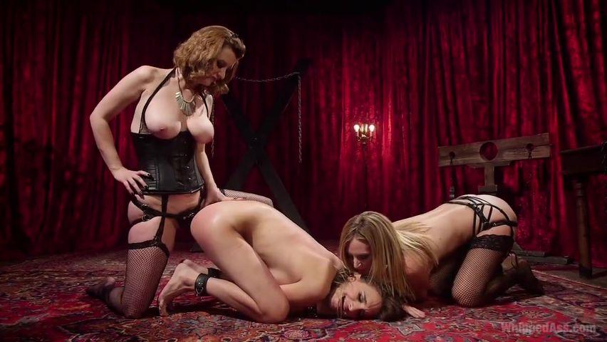 Порно анал с женщиной-кошкой