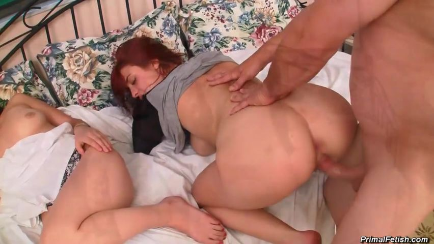Смотреть порно онлайн юный трахнул пока та спала