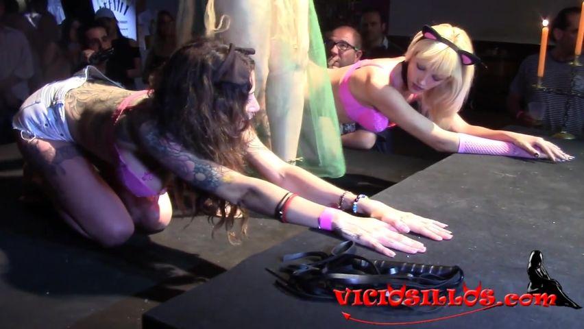 Молодежная вечеринка порно онлайн