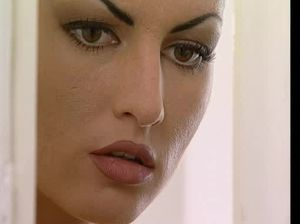 Служанка наблюдает как ее хозяин шпилит любовницу