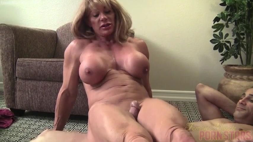 Смотреть порно русская госпожа жестко доминирует над рабом