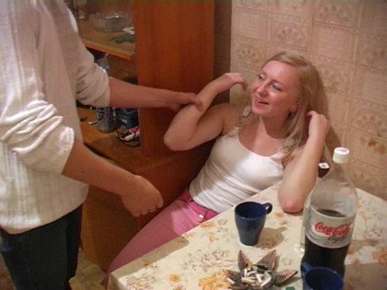 Новгороде трахает телку с плоской грудью порно фильмов