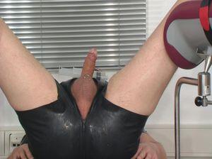 Извращенная дама в возрасте ставит эксперимент над мужчиной