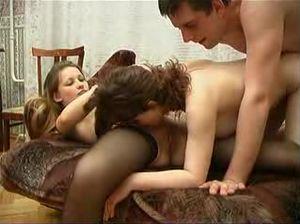 Русский групповой секс с подругой жены