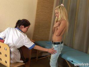 Врач лесбиянка поимела пациентку