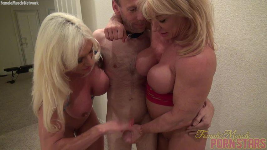 Капронках без телки культуристки трахаются порно блондинку две дырки