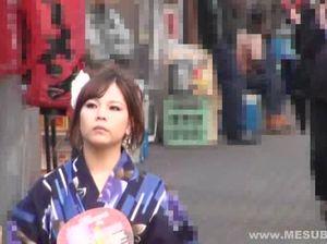 Японец занимается сексом с гейшей с привлекательной внешностью