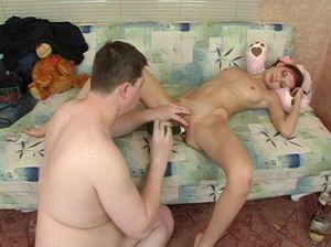 Русский инцест с отцом и пьяной дочерью худышкой