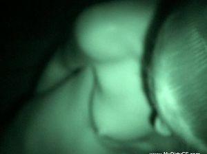 Развратник засадил ночью в попу молодой жены или любительский анальный секс