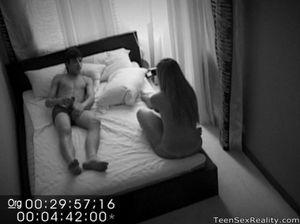 Скрытая камера отеля сняла еблю молодой русской пары