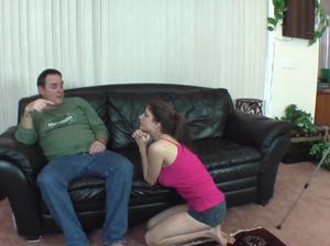 Мужик на видео камеру лижет киску и трахает молодую милашку