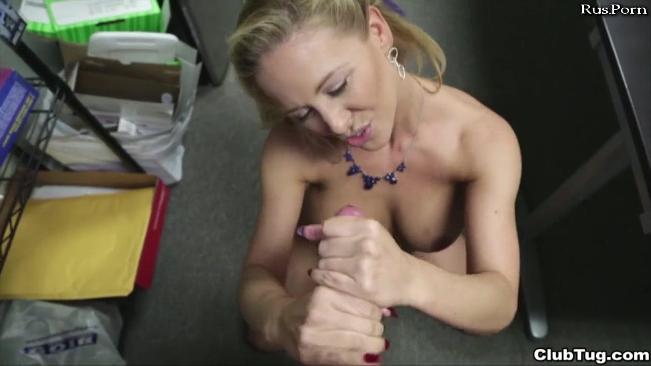 Найдено 131 бесплатных порно видео роликов