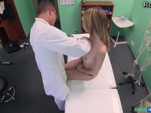 Горячий секс на медосмотре